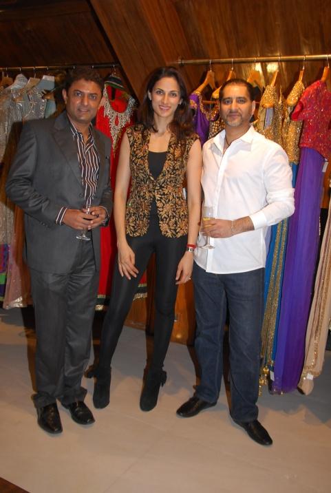 L-R: Amith Dholakia, Shilpa Reddy, Vikram Bawa