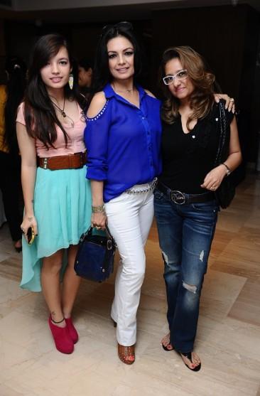 Ahana Ghai, Kavita Ghai and Dolly Jain