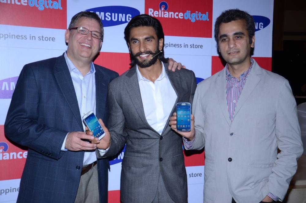 Mr. Brian Bade CEO Reliance Digital ,Ranveer Singh and Mr Asim Warsi Vice President Samsung Mobile