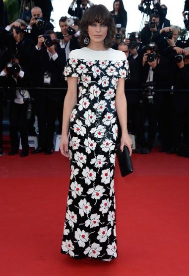Milla Jovovich - Chanel