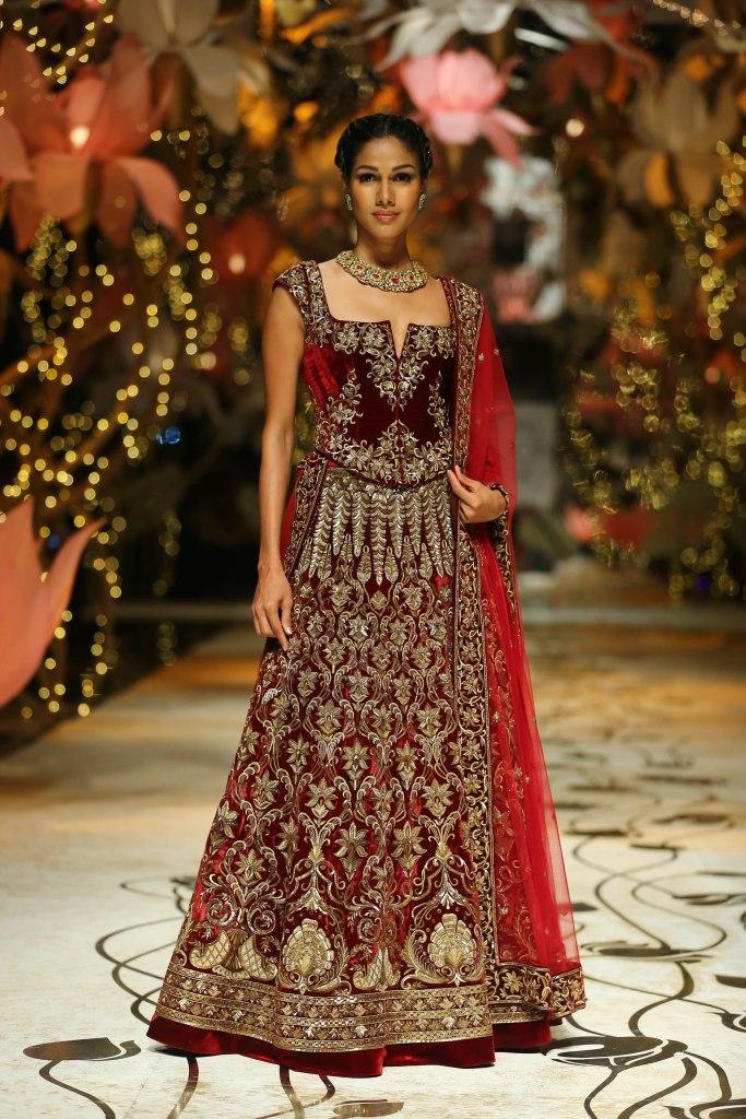 Model In Rohit Bal