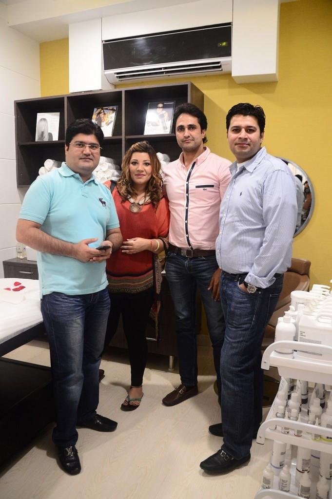 (L-R) Aditya Vaid, Vinita Vaid, Goldy, Salil Vaid