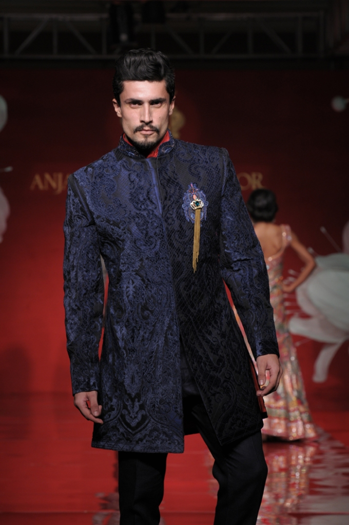 A Model Displaying couture collection Jamawar Aria by Designer Anjalee & Arjun Kapoor 7