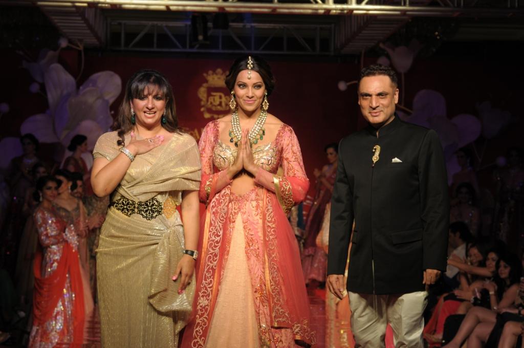Designer Anjalee Kapoor , Showstopper Bipasha Basu and Designer Arjun Kapoor