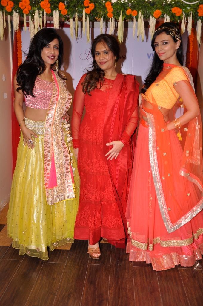 Singer Shibhani Kashyap, Ritu Seksaria and Roshni Chopra