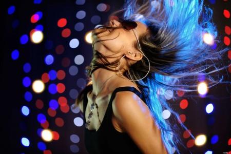 dancing_b8780b2959