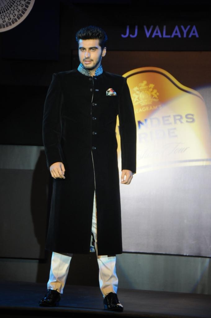 Arjun Kapoor Show Stopper for JJ Valaya