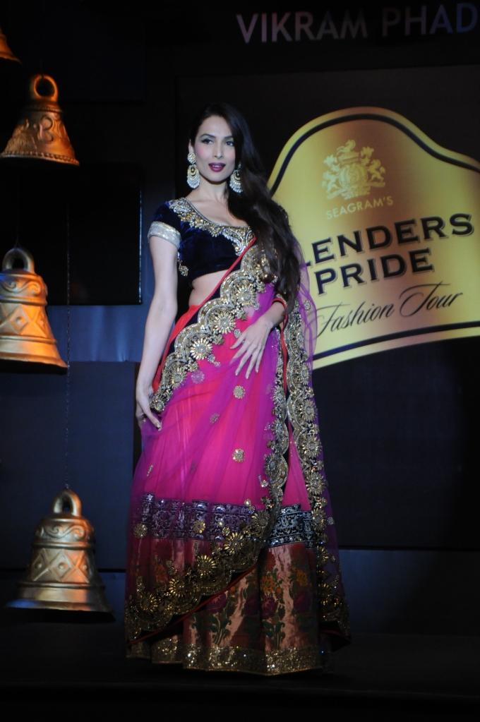 Malaika Arora Khan Show Stopper for Vikram Phadnis