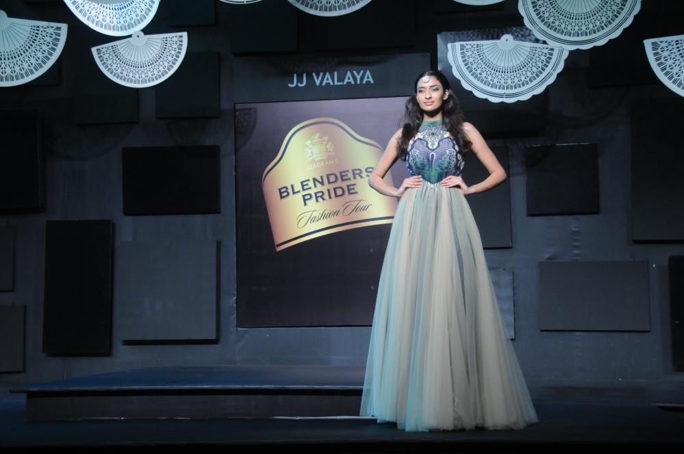 Model in JJ Valaya