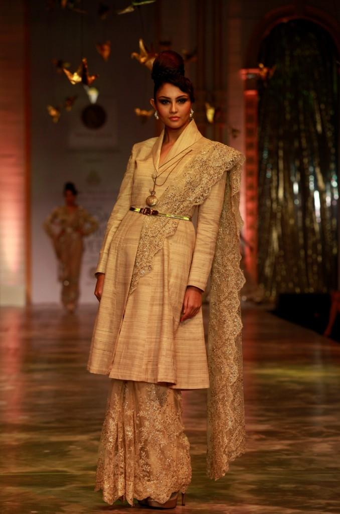 Seen at Aamby Valley India Bridal Fashion Week - Model walking for Neeta Lulla (7)