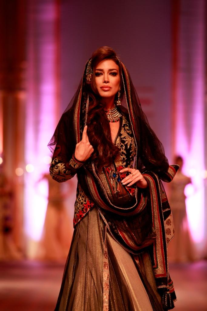 Sahar Biniaz in a Mandira Wirk Creation