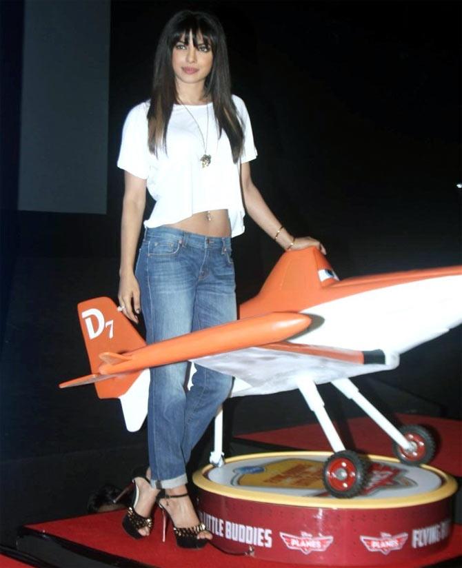 Priyanka Chopra flaunts her taut tummy