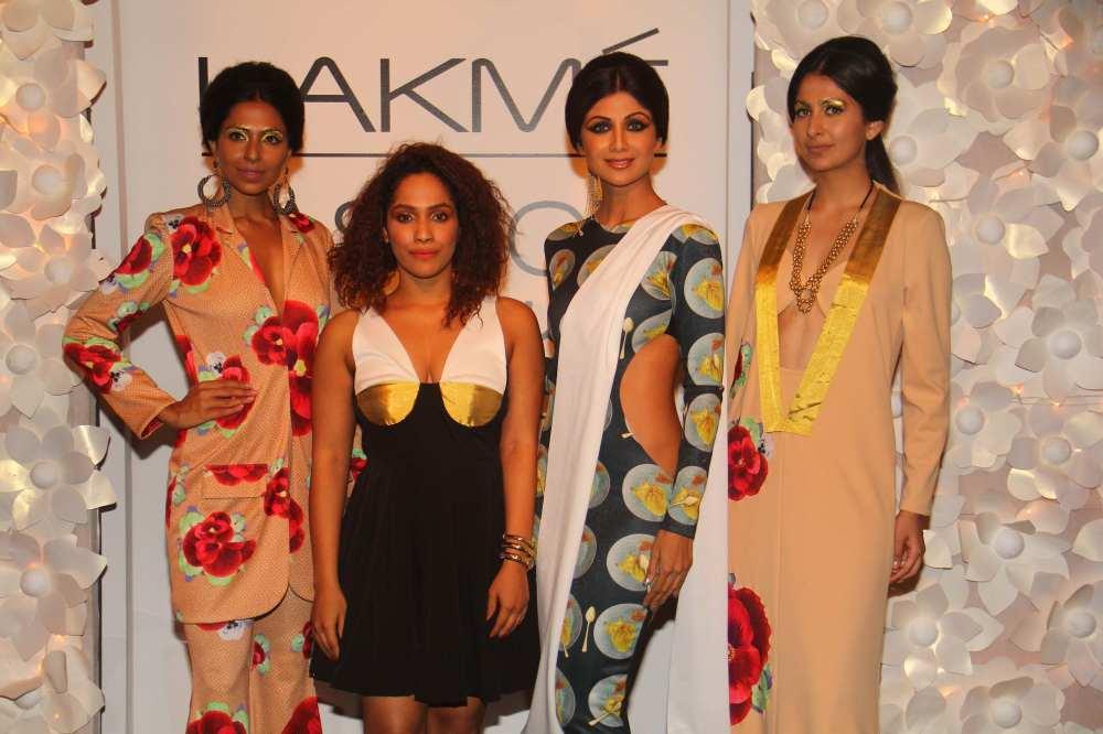 Designer Masaba Gupta with Show Stopper Shilpa Shetty @ LFW WF 2014