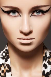 Open Winged Eyeliner