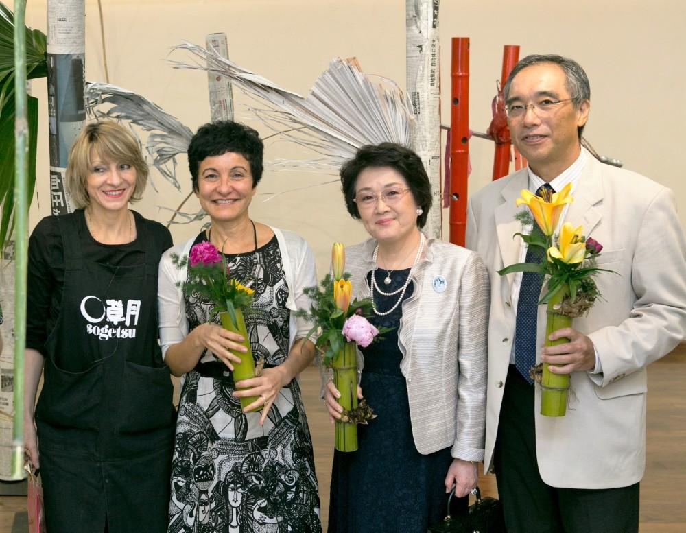 Ikebana artist Ursula Altenbach, Consul General of Brazil Her Excellency Rosimar da Silva Suzano, and Consul General of Japan His Excellency Mr. Yoshiaki Ito